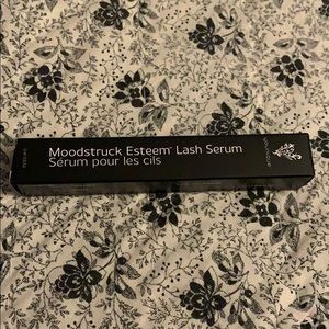 Mood struck Esteem Lash Serum